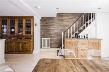 3 bed property in Offord Road, London, N1