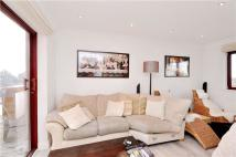 Apartment to rent in William Morris Way...