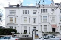 Flat to rent in Argyll Road, London, W8