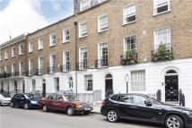 Flat to rent in Pembroke Square, London...
