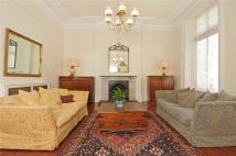Flat in Addison Road, London, W14