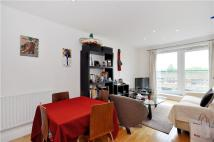 Flat in Warwick Road, London, W14
