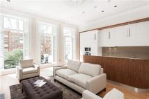 Flat to rent in Lexham Gardens, London...