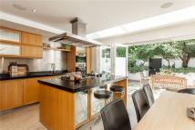 property to rent in Phillimore Gardens Close...