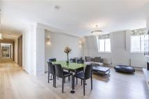 Penthouse to rent in Warwick Gardens, London...
