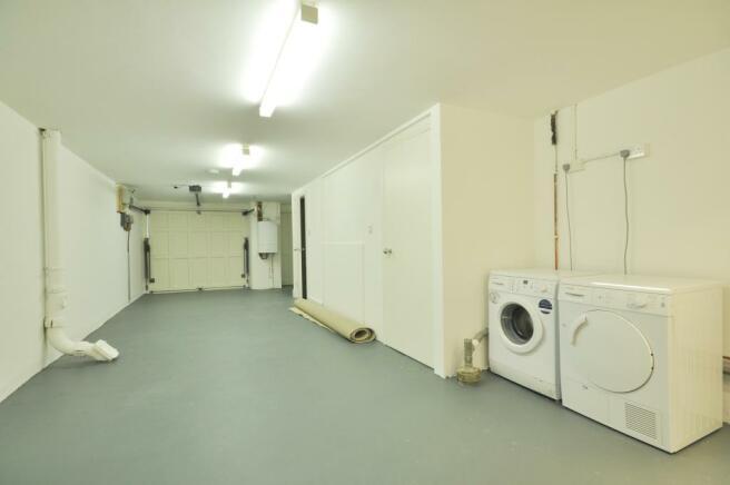 Garage/ Utility Room