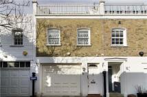 3 bedroom Mews in Cornwall Mews West...