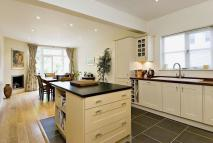 3 bed Terraced house to rent in River Road, Taplow...