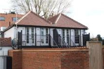 Apartment to rent in Ray Mead Road...