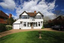 4 bed Detached house to rent in Grove Road, Cranleigh...