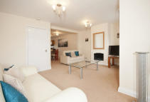 3 bed Mews to rent in Lenton Avenue, The Park...