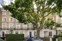 Flat to rent in Belgrave Gardens, London...
