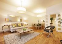 Apartment to rent in Randolph Avenue, London...