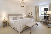 Apartment in Randolph Avenue, London...