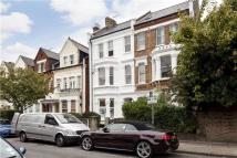 Flat in Streatley Road, London...