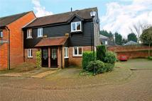 Apartment to rent in Thornhill Close...