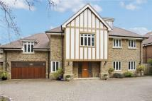 5 bedroom Detached home in The Avenue...