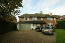 4 bed Detached property in Furzefield Road...