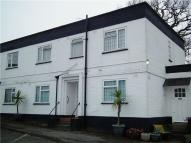 2 bed home in Halfpenny Lane, Ascot...