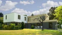 4 bedroom Detached property to rent in Buckhurst Road, Ascot...