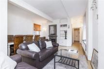 Flat to rent in Ashburnham Road, London...
