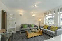 Flat to rent in Elm Park Gardens, London...