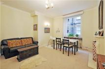 2 bedroom Flat in Drayton Gardens, London...