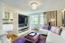 Apartment to rent in Elm Park Gardens, London...