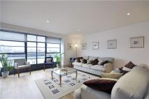 Flat to rent in Spice Quay...