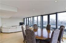 Penthouse to rent in Tea Trade Wharf...