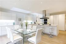 7 bed Detached house to rent in Bathgate Road, Wimbledon...