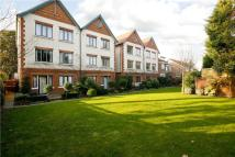 2 bed Flat to rent in Coombe Road, New Malden...