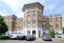 2 bedroom Apartment in Chapman Square...