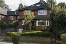 5 bedroom Detached home in McKay Road, London, SW20
