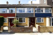 3 bed home in Southey Road, London...