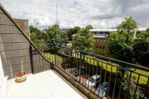 Penthouse in Lansdowne Road London...