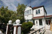 3 bed Terraced property in Carlyon Road, Wembley