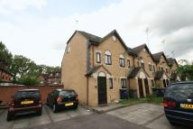 Town House for sale in Kestrel Close, Colindale...