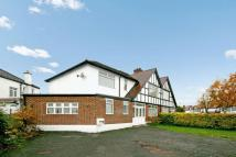 5 bedroom semi detached property in Sudbury Court Estate...