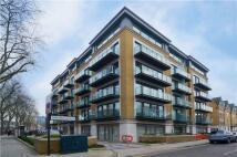 Flat to rent in Marlborough Road, London...