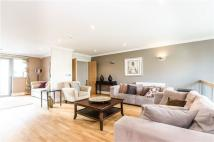 4 bedroom Town House to rent in Tallow Road, Brentford...