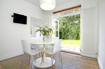 3 bedroom Maisonette in Southfield Road London W4