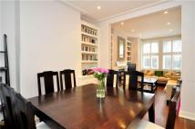 4 bed property in Brookfield Road, London...