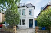 5 bed semi detached house in Homefield Road London W4