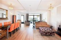 4 bed semi detached house to rent in Ellesmere Road, London...
