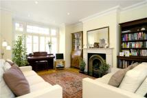 3 bedroom Flat to rent in Lonsdale Road, London, W4