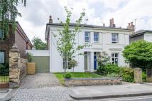 4 bedroom semi detached home to rent in Ravenscourt Gardens...