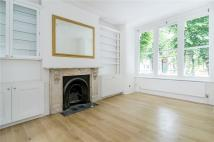 3 bedroom Flat to rent in Linden Gardens, Chiswick...