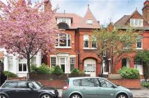 Flat in Acton Lane, London, W4