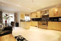 4 bedroom Town House in Ravenscourt Square...